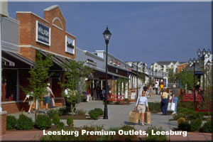 Shoppers at accessible Leesburg Outlet Mall